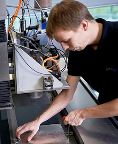 Waterjet cutting in the Waterjet AG lab, where new processes are developed.